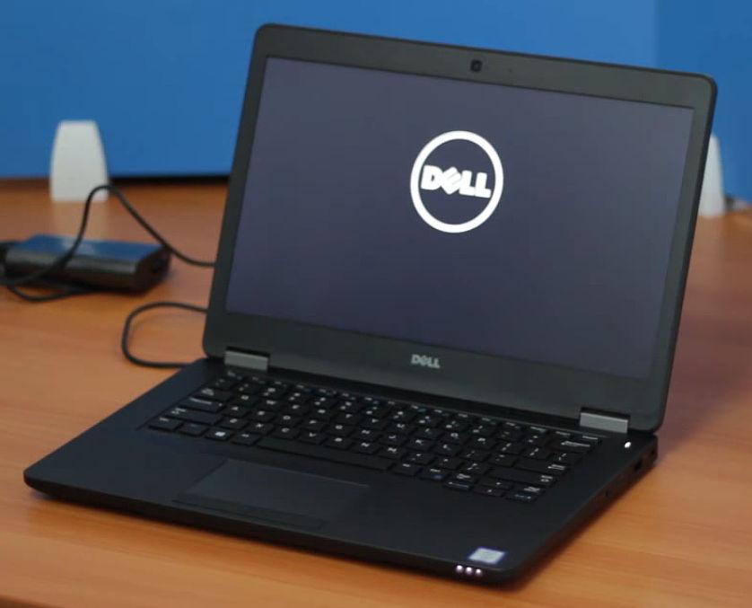 Dell Latitude E7270 starting up